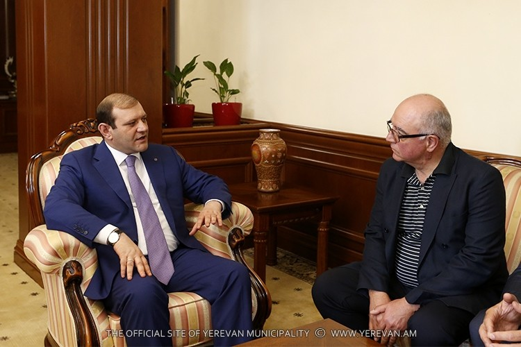 Mayor Taron Margaryan meets with President of GALLUP International association Kancho Stoychev